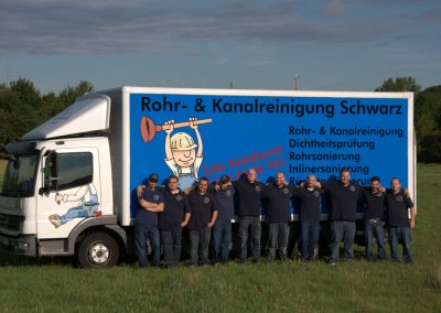 schwarz-rohr-kanalreinigung-team